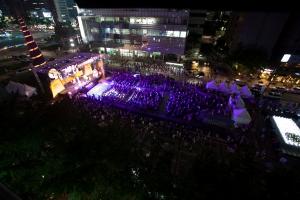 코인모 개막식을 가득채운 관객들