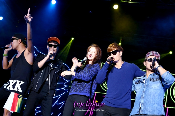 Running Man sings together (Photo credits to ONE)