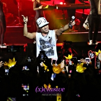 (x)clusive!: Taeyang charms, teases and finds himself agirl